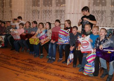 Новогодний праздник в Сосновской школе - интернате